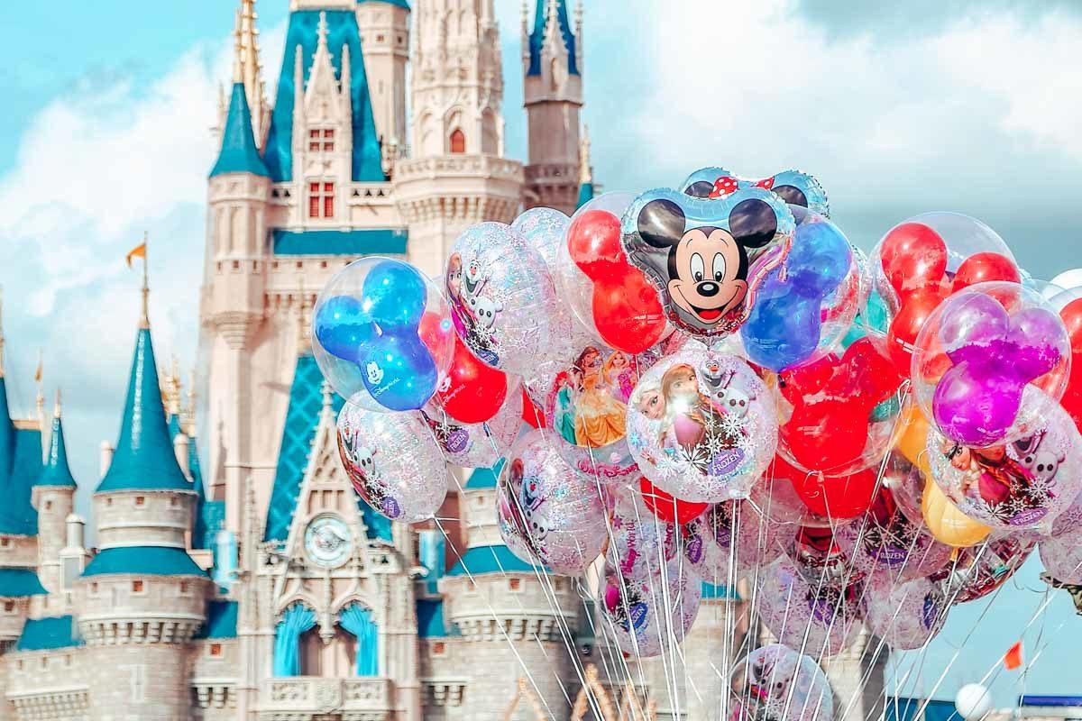 How To Do Disney: A Guidea Former Cast Member